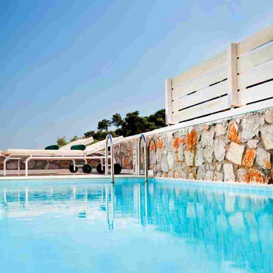 http://www.porto-cesareo.net/wp-content/uploads/2016/03/summer-room-08-540x540.jpg