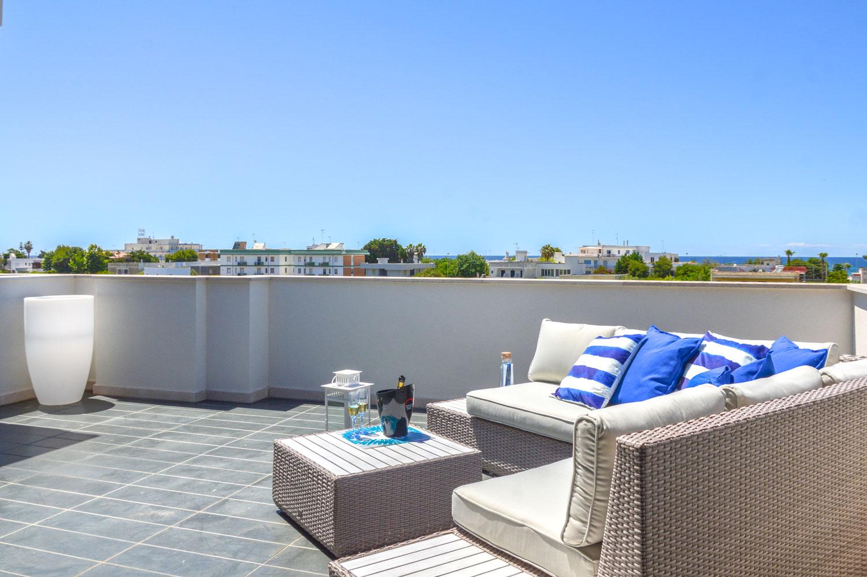 Porto appartamenti nel salento for 2 box auto con kit di appartamenti